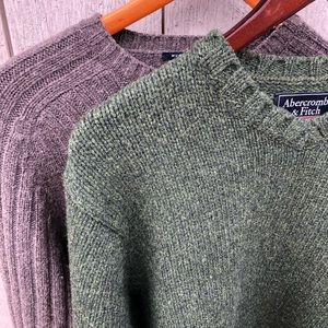 Pair of Abercrombie & Fitch men's sweaters sz Lg
